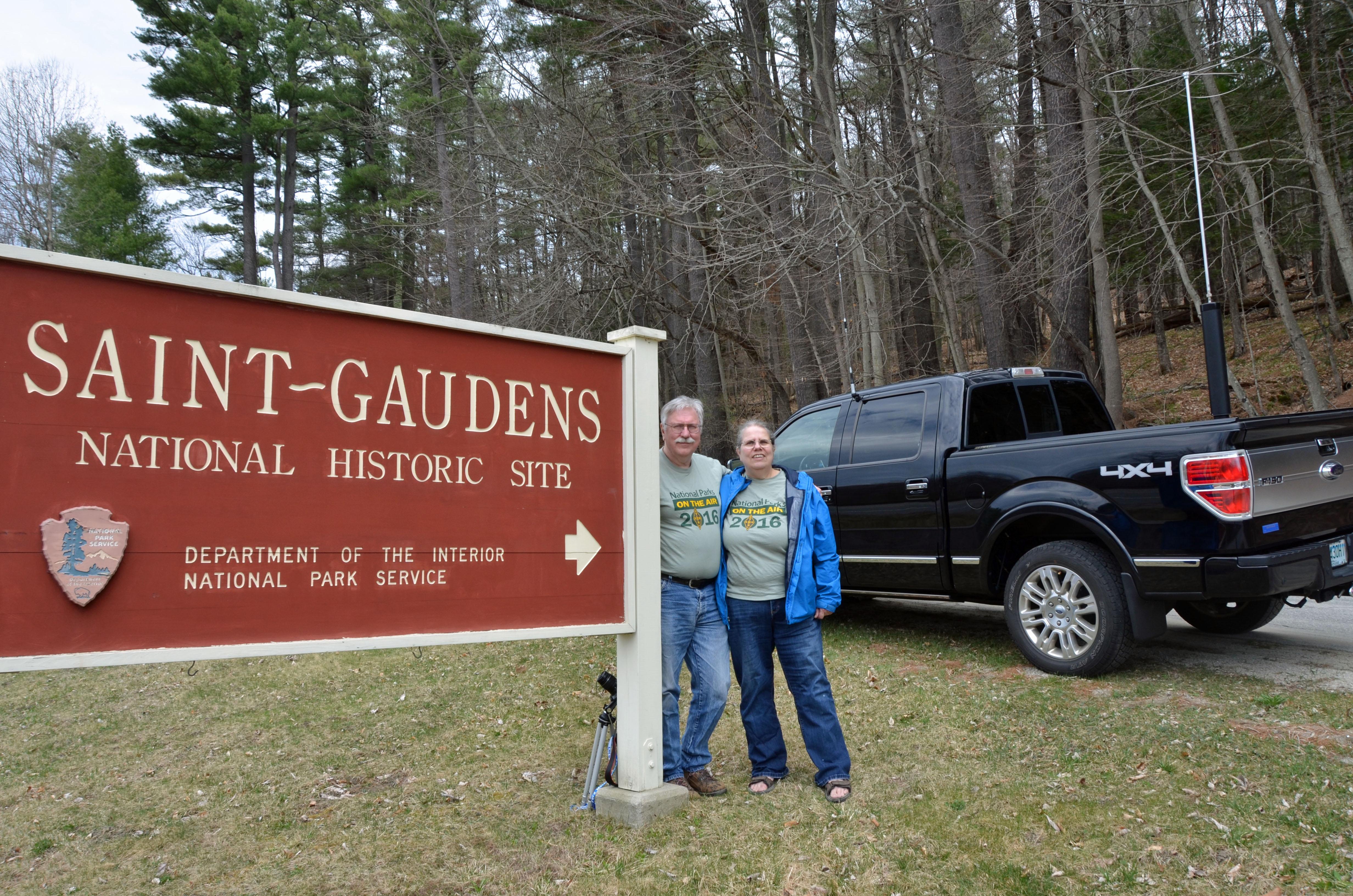 Aron W1AKI and Merle W1MSI At Saint-Gardens NHS